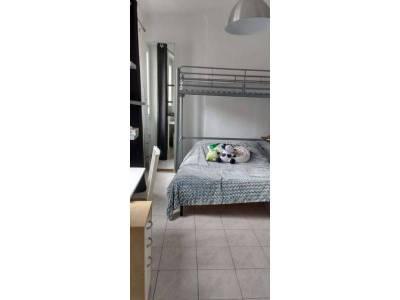 Location appartement meubl 1 pi ce 25m verduron 15 me for Location studio meuble marseille