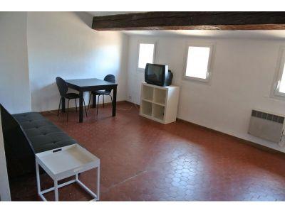 location appartement meubl 1 pi ce 30m lodi 6 me marseille ref 28046. Black Bedroom Furniture Sets. Home Design Ideas