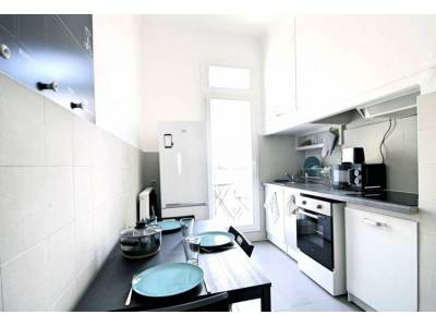 Location appartement meubl 4 pi ces 75 m cinq avenues for Location appartement meuble a marseille
