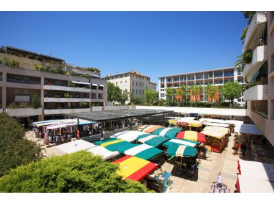Les Caillols - Centre Commercial - Saint Barnab