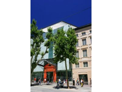 Saint charles alcazar for Appartement design friche gare st charles vieux port