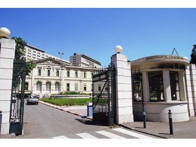 Saint-Pierre - Entrée Hôpital de la Timone