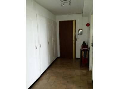 hall d'entrée avec placards