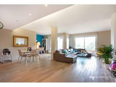 vente appartement 5 pi ces 160m piscine le roucas blanc 7 me marseille ref 55542. Black Bedroom Furniture Sets. Home Design Ideas
