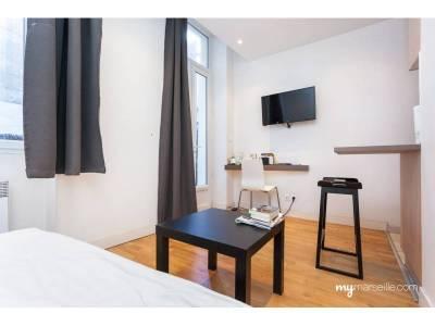 Vente appartement meubl 1 pi ce 16m noailles 1er for Appartement design centre marseille vieux port et noailles