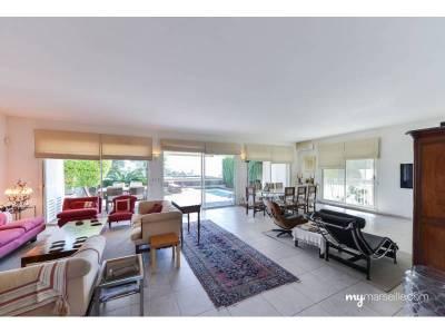 vente maison en lotissement 5 pi ces 207m piscine le roucas blanc 7 me marseille ref 51129. Black Bedroom Furniture Sets. Home Design Ideas
